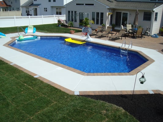 Turnersville nj grecian game pool by paradisepoolandspa for Grecian pool shape