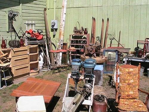 Pea picking flea market flea markets 1977 us 8 st for Fishing flea market near me