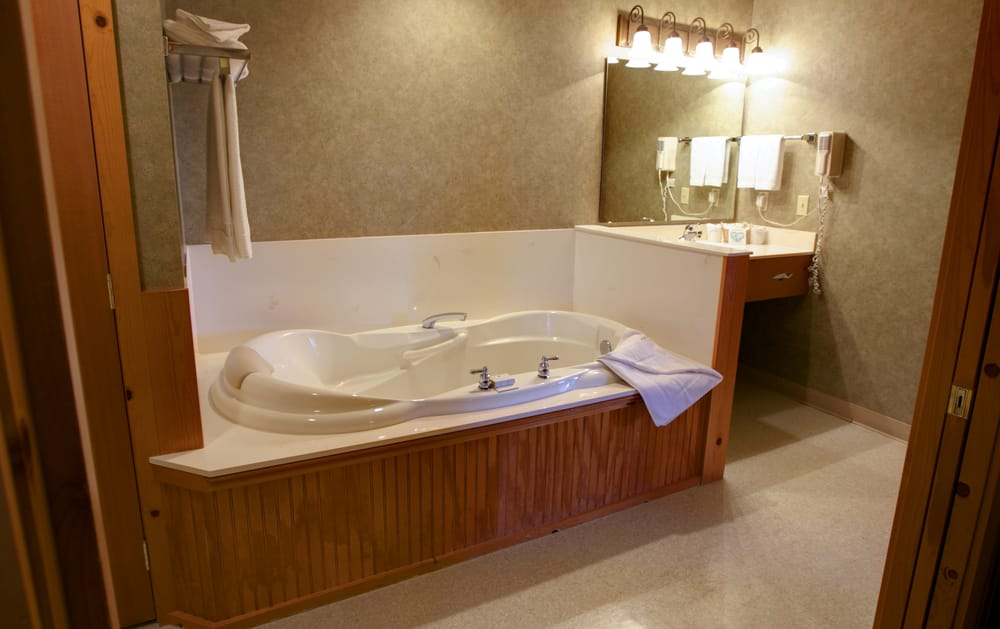 two person soaking tub in king deluxe room yelp