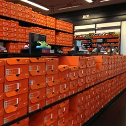 Jun 25,  · Nike Factory Outlet This review is for the Nike Factory Outlet Store on Northeast Martin Luther King Junior Boulevard, Portland, OR This has a lot more merchandise than their Nike Portland store.4/4.