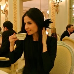 Tea time at the Ritz with Jules Fe! Check out more pics at http://stylebypatty.com/tea-party-at-the-ritz-london-hotel/