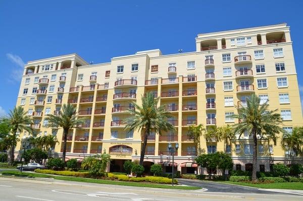 Apartments Near Mizner Park