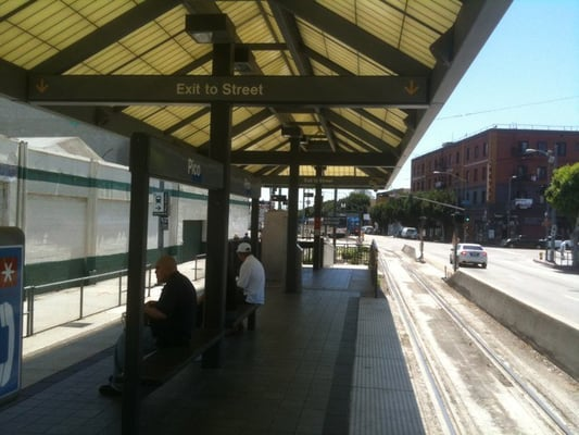 Long Beach Hotels Near Public Train Transportation