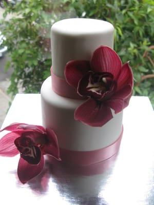 A Petite GlutenFree Wedding Cake for 6