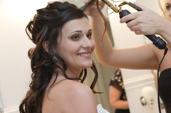 Wedding Hairstylist for Your Wedding