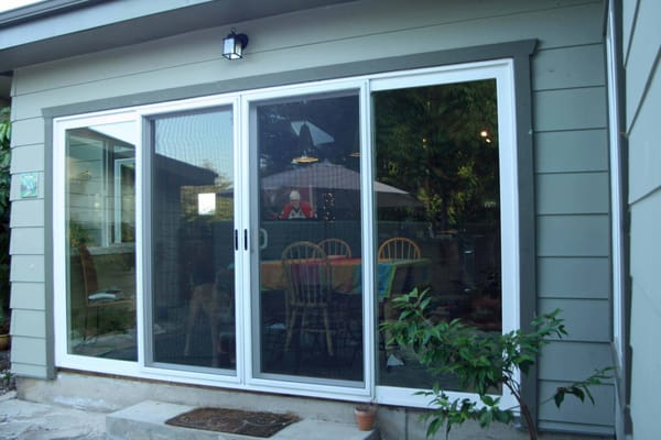 4 Panel Sliding Glass Door 600 x 400