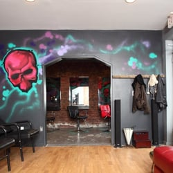Hair metal salon hair salons williamsburg north side for 5th avenue salon bedford