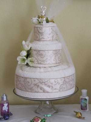 Adrenas Blog Luxury Wedding Towel Cake Another Version Of The Most Popular Wedding Towel