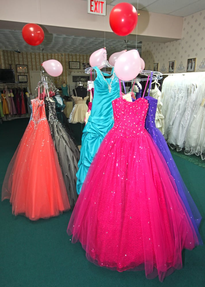 Stores that buy used prom dresses near me boutique prom for Discount wedding dress stores near me