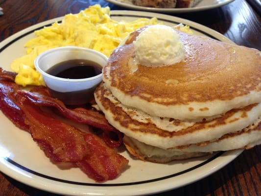 pancake and bacon breakfast - photo #4