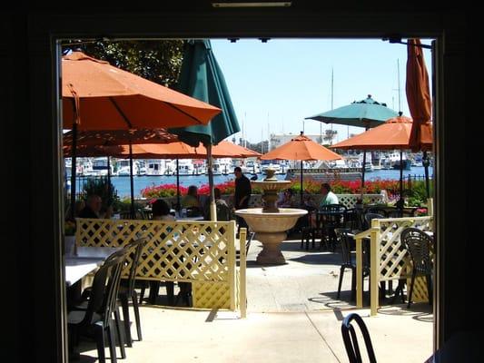 Le Petit Cafe Bakery Ventura Ca