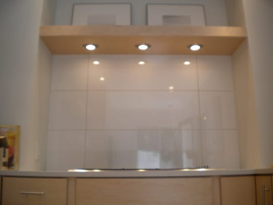 Ross Kitchen. Over sized rectangle tiles, recessed lighting, and a