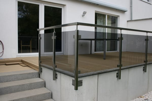 balkongel nder terrassengel nder edelstahl q line mit. Black Bedroom Furniture Sets. Home Design Ideas