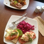 beet root salad salmon flatbread, prawn and mayo