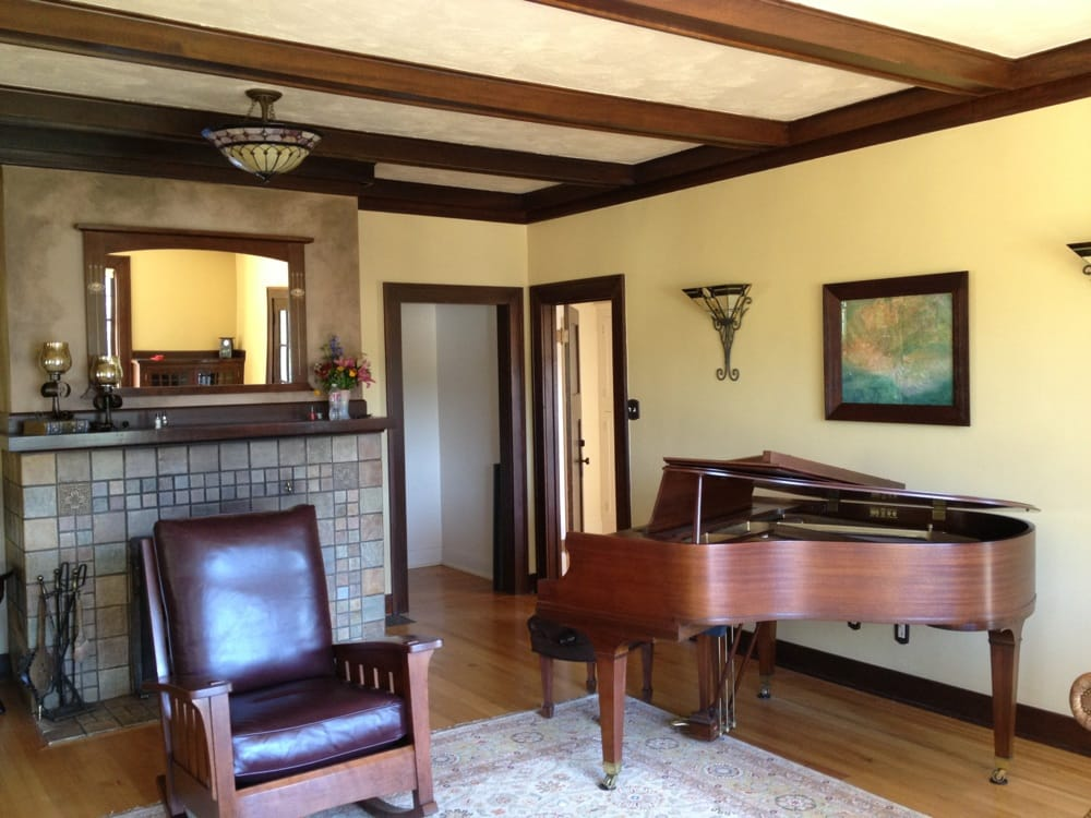Living room w grand piano yelp for Grand piano in living room