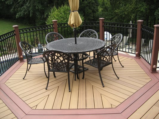 Multi level deck with custom decking pattern yelp for Design couchtisch multilevel l