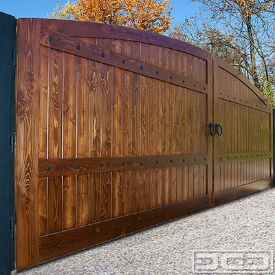 Wooden Driveway Gate With Automatic Motors By Dynamic