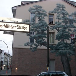 wandbild baum street art treptow berlin yelp. Black Bedroom Furniture Sets. Home Design Ideas
