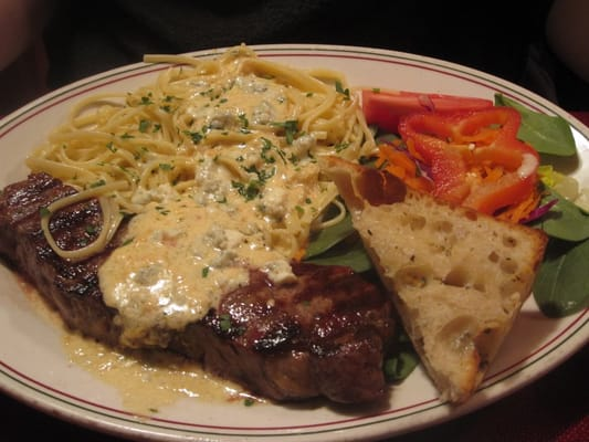 Steak and pasta with gorgonzola sauce