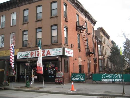 Giardini Pizzeria Restaurant Carroll Gardens Brooklyn Ny Vereinigte Staaten Yelp