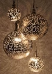 wundersch ne orientalische lampen aus messing versilbert. Black Bedroom Furniture Sets. Home Design Ideas