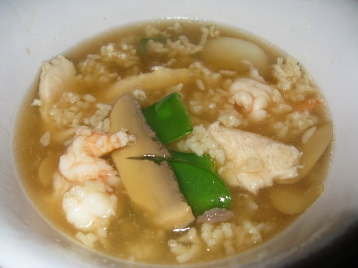 sizzling rice soup (very popular dish, contains scallops/shrimp ...