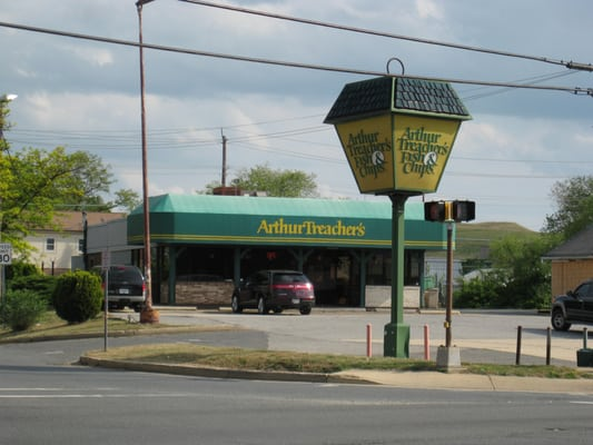 Arthur treacher s fish chips closed fish chips for Fish fast food near me