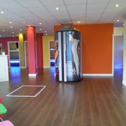 Vibrant, bright, spacious Tanning Studio - best value around!