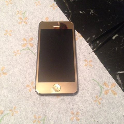 Iphone 5s colors gold front