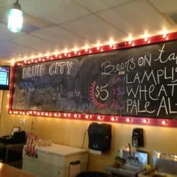 Druid city brewing company taproom pubs tuscaloosa al for Food bar tuscaloosa