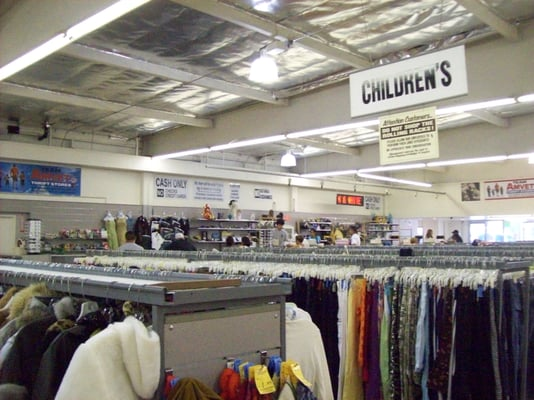 Cheap clothing stores. Stores that buy used clothes