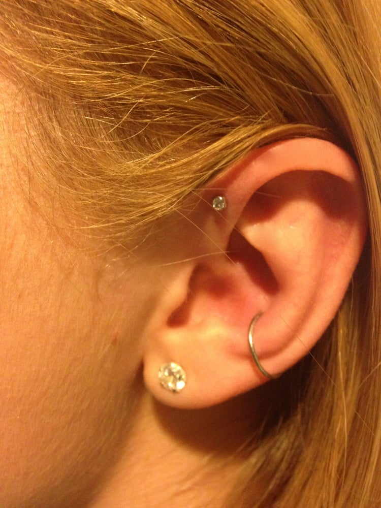 Forward helix pierced by chris yelp for Pierced hearts tattoo parlor