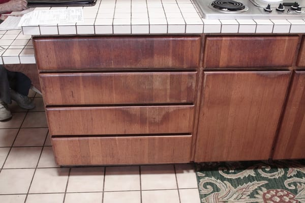 Cabinet refinishing Honolulu. We do cabinet Photo 3- Before