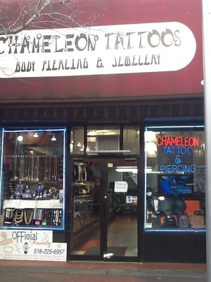 Tatto Parlors on Chameleon Tattoo  The Best Tattoo Shop On Jamaica Ave Since 2001