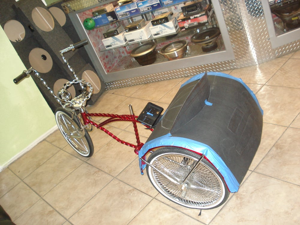 Lowriders bikes with speakers