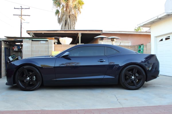 Left side imperial blue metallic 2012 camaro with 20 3m for Mercedes benz blue window tint