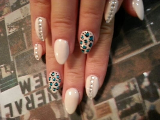 Almond shaped nails with Gel Color #50 ivory
