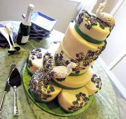 Peacock wedding cake with sugar peacocks