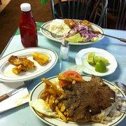 La tia delia restaurant peruvian paterson nj yelp for Fish market paterson nj