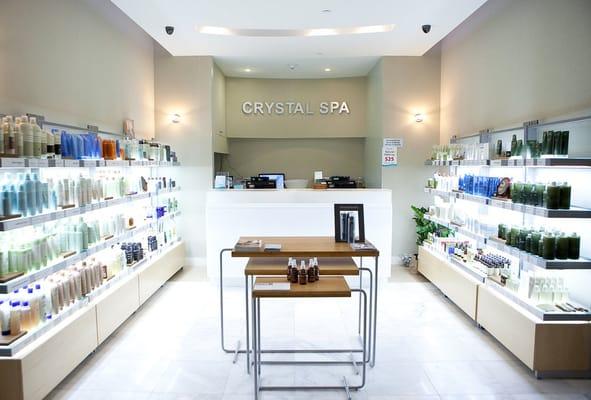 AVEDA retail & first impression desk