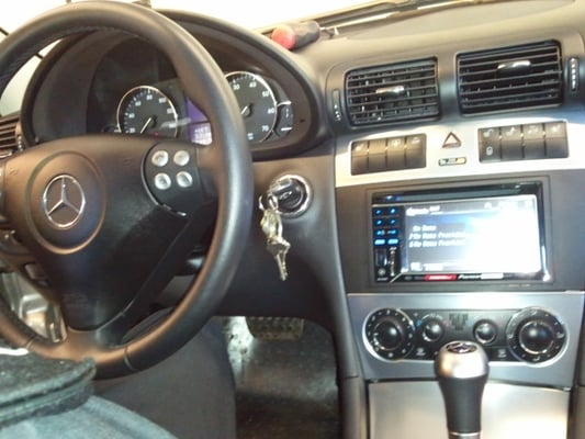 Mercedes c230 double din install w oem steering wheel for Mercedes benz bluetooth adapter installation