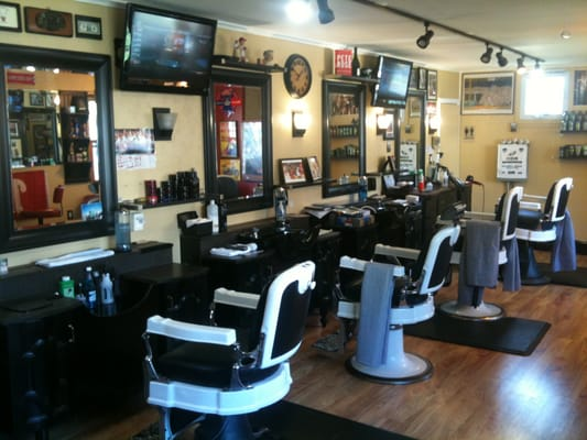 Barber shop interior yelp for Ideas for barbershop interior designs
