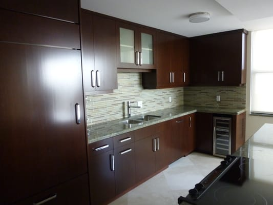 Contemporary Kitchen Cabinets Featuring Cherry Brown Stain Finished
