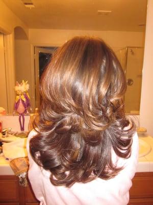 caramel highlights on medium brown hair with layered cut
