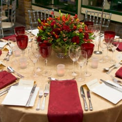 Table arrangement for a formal gathering
