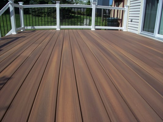 Fiberon horizons rosewood townhouse deck yelp for Horizon composite decking