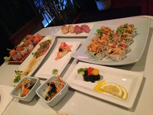 ... sushi roll s 911 spicy tuna sushi roll and shrimp tempura scallop roll