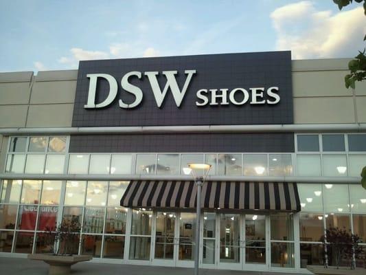 Where Is The Nearest Dsw Shoe Store