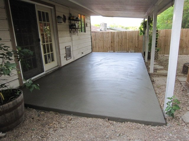 10x20 Patio Side View Poured By Austin Concrete