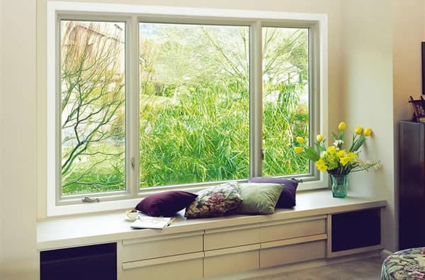 Dual Crank Out Casement Windows With A Stationary Picture